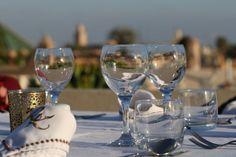 Riad Kheirredine a Marrakech Marrakech, Lifestyle Blog, Wine Glass, Alcoholic Drinks, Tableware, Dinnerware, Alcoholic Beverages, Tablewares, Place Settings