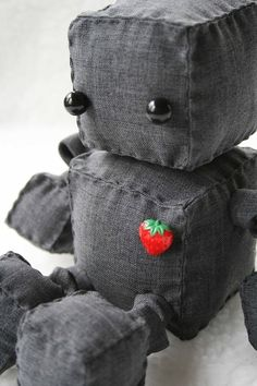 Robot Plushie- Leean you must make this for Rueben!!!