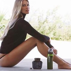 Elle Macpherson's Tips to Transform Your Health in the New Year