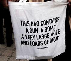 Este saco de mão vai dar nas vistas no embarque dos aeroportos.