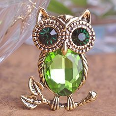 Fashion Antique Gold Owl Brooch Clear Crystal Pin Up Bijoux Cute Animals Brooches Vintage Collar Personality Jewelry Men Women