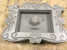 Yoda Carved out of 100mm XPS #HappylabWien Happy Lab, Carving, Frame, Home Decor, Projects, Homemade Home Decor, Wood Carvings, Sculpting, A Frame