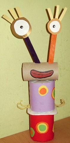 Marciano Reciclado con Tubos y Yogures: http://www.manualidadesinfantiles.org/marciano-reciclado-con-tubos-y-yogures/