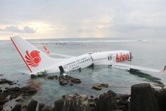 Boeing 737-800 crashes into the sea in Indonesia