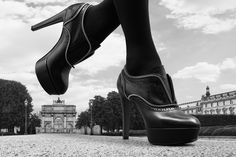View our international digital film and stills campaign for the iconic shoe collection from luxury fashion giant Louis Vuitton. Zapatos Louis Vuitton, Louis Vuitton Shoes, Fendi By The Way, Shoe Advertising, John Wright, Fashion Photography, Shoe Photography, Shoe Collection, Combat Boots