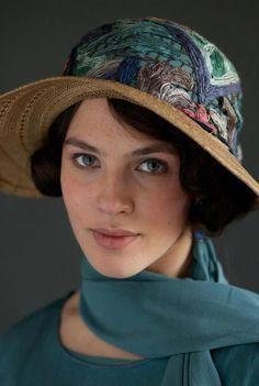 Downton Abbey Fashion: Lady Sybil Crawley (Jessica Brown Findlay) in embroidered hat Downton Abbey Costumes, Downton Abbey Fashion, Jessica Brown Findlay, Chigago Fire, Lady Sybil, Julian Fellowes, Soft Summer, Cinema, Retro
