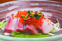 A manifestation of Pacific Rim fusion abounds at Japengo situated in Hyatt Regency Waikiki Beach Resort and Spa where Asian culinary methods are integrated Sushi Burger, My Sushi, Indian Food Recipes, Asian Recipes, Sushi Pictures, Sushi Donuts, Cantonese Food, Asian Soup, Steamed Buns