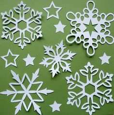 30 Ideas Diy Paper Snowflakes Budget For 2019 Paper Snowflake Patterns, 3d Paper Snowflakes, Snowflake Template, Paper Stars, Christmas Snowflakes, Christmas Love, Christmas Ornaments, Kirigami, Snow Flakes Diy