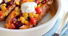 Lekker budget recept voor een Mexicaanse gevulde zoete aardappel uit de oven.