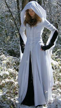 Mother Confessor Cosplay - Legend of the Seeker.
