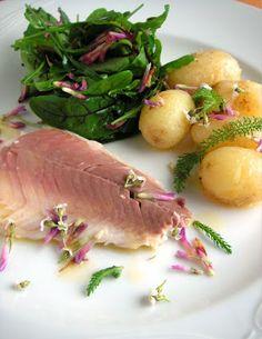 Herkkusuun lautasella-Ruokablogi: Uunisiikaa siankärsämöllä