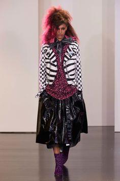 Marc Jacobs Resort 2017 Fashion Show - Luisana Gonzalez