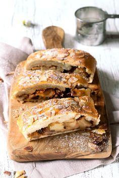 ... apple strudel with vanilla custard ...