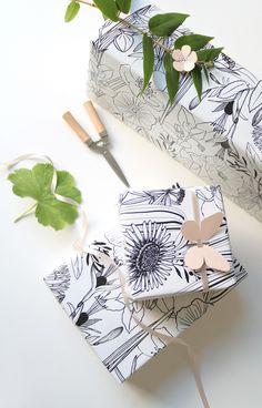 Black and white large and wild botanical print 'Jardin des Plantes'- Jurianne Matter for Ompak