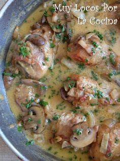 Pollo En Salsa De Champiñones Bacon Nata Y Vino Blanco Receta Pollo En Salsa De Champiñones Pollo Guisado Comida
