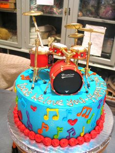Wicked Chocolate cake iced in blue butter icing decorated with fondant drum kit, piped message & piped musical notes Drum Birthday Cakes, Birthday Cake For Him, Music Themed Cakes, Music Cakes, Drum Cake, Guitar Cake, Bolo Artificial, Bolo Musical, Music Theme Birthday
