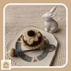 Crochet Cupcake Fake Cupcake Faux Cupcake by MandysCraftTales Fake Cupcakes, Lemon Cupcakes, Strawberry Cupcakes, Chocolate Cupcakes, Kids Play Food, Pretend Food, Pretend Play, Princess Tea Party, Little Princess