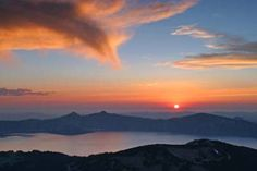 Best Things to Do at Crater Lake National Park... Sunset over Crater Lake from Mount Scott, camping or RVing trip anyone?