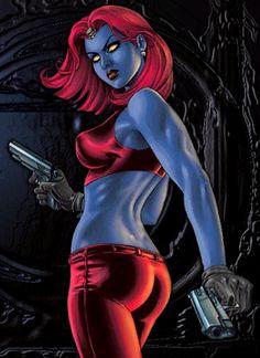 mystica forse moralmente non è uno dei personaggi migliori ma a me affascina molto. Forse perché ha i capelli rossi come me o per il suo aspetto misterioso ed ambiguo, o per il fatto che sia un mutante mutaforma, tutto in lei mi affascina, anche la sua pelle blu che la rende così originale.