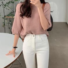 Teen Fashion Outfits, Girl Outfits, Casual Outfits, White Jeans Outfit, 80s Outfit, White Chic, Girls School, Summer Chic, Teenager Outfits