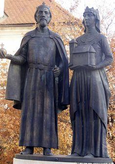 The statue of King Stephen and Queen Gizella