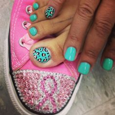 Leopard print toes and manicure