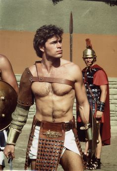 Roman gladiator....DO YOU KNOW HIM? YES........WHAT A HOT GORGEOUS HUNK OF A MAN HE WAS..