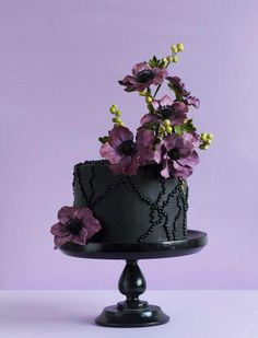 another beautiful cake.  dark colors are becoming more trendy.