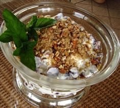 Refreshing GRAPE SALAD made with sugar sweetened cream cheese & pecans -- 1 of my all time FAVS! Summer Recipes, New Recipes, Vegetarian Recipes, Favorite Recipes, Cheap Recipes, Healthy Recipes, Easy Salad Recipes, Easy Salads