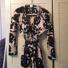 Black and white belted sweater, gold metallic Gorgeous floral sweater with faux leather belt, side pockets INC International Concepts Sweaters Cardigans