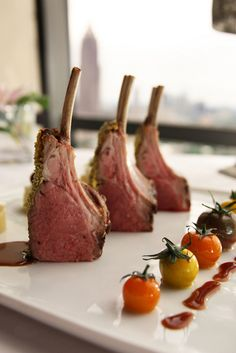 Herb Crusted Rack of Lamb w/ Heirloom Tomatoes. - Herb Crusted Rack of Lamb w/ Heirloom Tomatoes. Lamb Recipes, Salmon Recipes, Wine Recipes, Gourmet Recipes, Cooking Recipes, Gourmet Desserts, Meal Recipes, Plated Desserts, Lamb Dishes