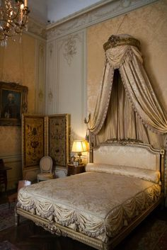 ♜ Shabby Castle Chic ♜ rich and gorgeous home decor - French