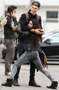 Fun Never Ends Vanessa Hudgens and boyfriend Austin Butler took some selfies during a fun day out with pals in Venice, Calif. Dec. 18.   Read more: http://www.usmagazine.com/hot-pics/fun-never-ends-20131912#ixzz2ooTbDrsa  Follow us: @Us Weekly on Twitter | usweekly on Facebook