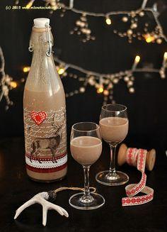 Kořeněný čokoládový likér | Blog Mlsné Kočky Alcoholic Drinks, Beverages, Home Canning, Smoothie, Glass, Med, Blog, Liqueurs, Christmas