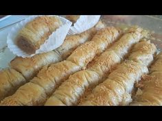 BAKLAWA Arabe (baklaba roll) dulce árabe - YouTube Desserts With Biscuits, Strudel, Afternoon Tea, Hot Dog Buns, Sausage, Rolls, Bread, Medusa, Kitchen Ideas