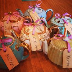 Kelly Clarkson's Bachelorette Tea Party! Liquor served in teapots!!! How cute is that?