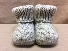 Items similar to Knitted Baby Booties, Handmade Crib Shoes, Knit Baby Socks, Drawstring Booties - Month Size - Light Grey on Etsy Knit Baby Booties, Knitted Baby, Knit Or Crochet, Crochet Baby, Yarn Projects, Knitting Projects, Knitting Patterns, Crochet Patterns, Knitting Club