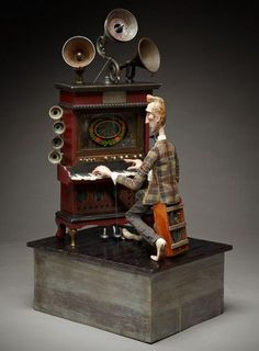 Tom Haney : Crescendo, automata, handmade electronic moving sculpture with… Mixed Media Boxes, Marionette Puppet, Kinetic Art, Found Object Art, Assemblage Art, Tin Toys, Recycled Art, Stop Motion, Box Art