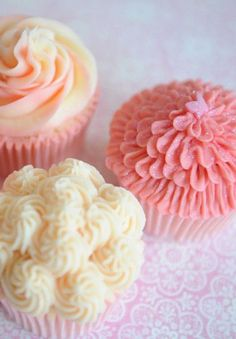 Adorable cupcakes with varying colors and icing #cupcakes #diy #pink