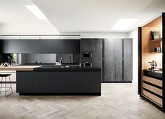 This modern family kitchen in black and white makes a strong contemporary design statement, using the handcrafted, Italian kitchen by. Home Interior, Kitchen Interior, Kitchen Decor, Interior Design, Clever Design, Küchen Design, House Design, Design Ideas, Bureau Design