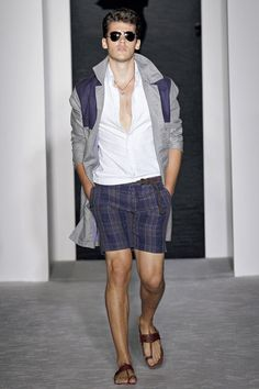 The complete Michael Bastian Spring 2013 Menswear fashion show now on Vogue Runway.