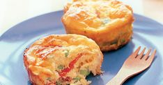 These little egg frittatas packed with salami, cheese and peas make the perfect lunch box snacks for the kids. To incorporate this into a keto diet plan, see the serving suggestion in the notes below. Muffin Recipes, Keto Recipes, Quick Recipes, Potato Recipes, Free Recipes, Low Carb Breakfast, Breakfast Recipes, Vegetable Frittata, Salami And Cheese