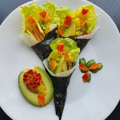 Spicy tuber hand roll with mango chutney