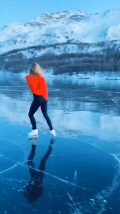 Figure Skating Movies, Figure Skating Quotes, Figure Skating Outfits, Figure Skating Costumes, Figure Skating Dresses, Ice Skating Outfits, Videos Skate, Ice Skating Videos, Yuzuru Hanyu Cute