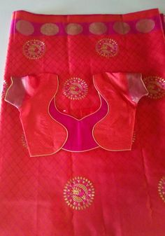 Patch Work Blouse Designs, Hand Work Blouse Design, Blouse Designs Silk, Stylish Blouse Design, Simple Blouse Pattern, Blouse Neck Patterns, Designer Blouse Patterns, Chudi Neck Designs, Hand Designs