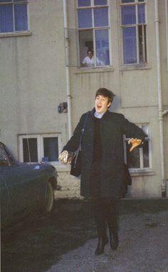 Beatlemaníaca desde eu ainda me surpreendo com fotos incríveis dos Beatles [e que eu NUNCA tinha visto na vida]. Beatlemaniac since I am still surprised by incredible pictures of the Beatles [and that I had NEVER seen in my life]. Beatles Love, Les Beatles, John Lennon Beatles, Beatles Photos, Beatles Funny, Ringo Starr, George Harrison, Paul Mccartney, Liverpool