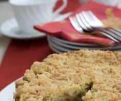 Quick & Easy Feijoa Crumble Top Cake    This is a delicious quick and easy cake to make! Y