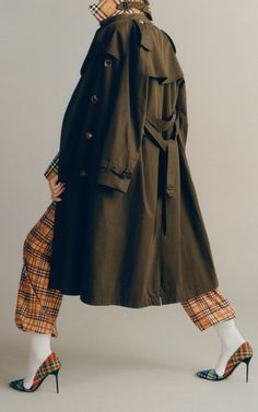 Get inspired and discover Burberry: The Heritage Trench Collection trunkshow! Shop the latest Burberry: The Heritage Trench Collection collection at Moda Operandi. Burberry Outfit, Trench, Military Jacket, Duster Coat, Raincoat, Style Inspiration, Jackets, Shopping, Clothes
