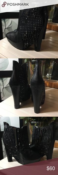 Sam Edelman Zoyla Booties💋 Love these shoes! Leather with all studs in tact, maybe worn 2-3 times. z#1020 Sam Edelman Shoes Ankle Boots & Booties