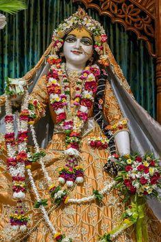 Krishna Janmashtami, Indian Goddess, Radha Rani, Radhe Krishna, Deities, Princess Zelda, Hare, Artworks, Passion